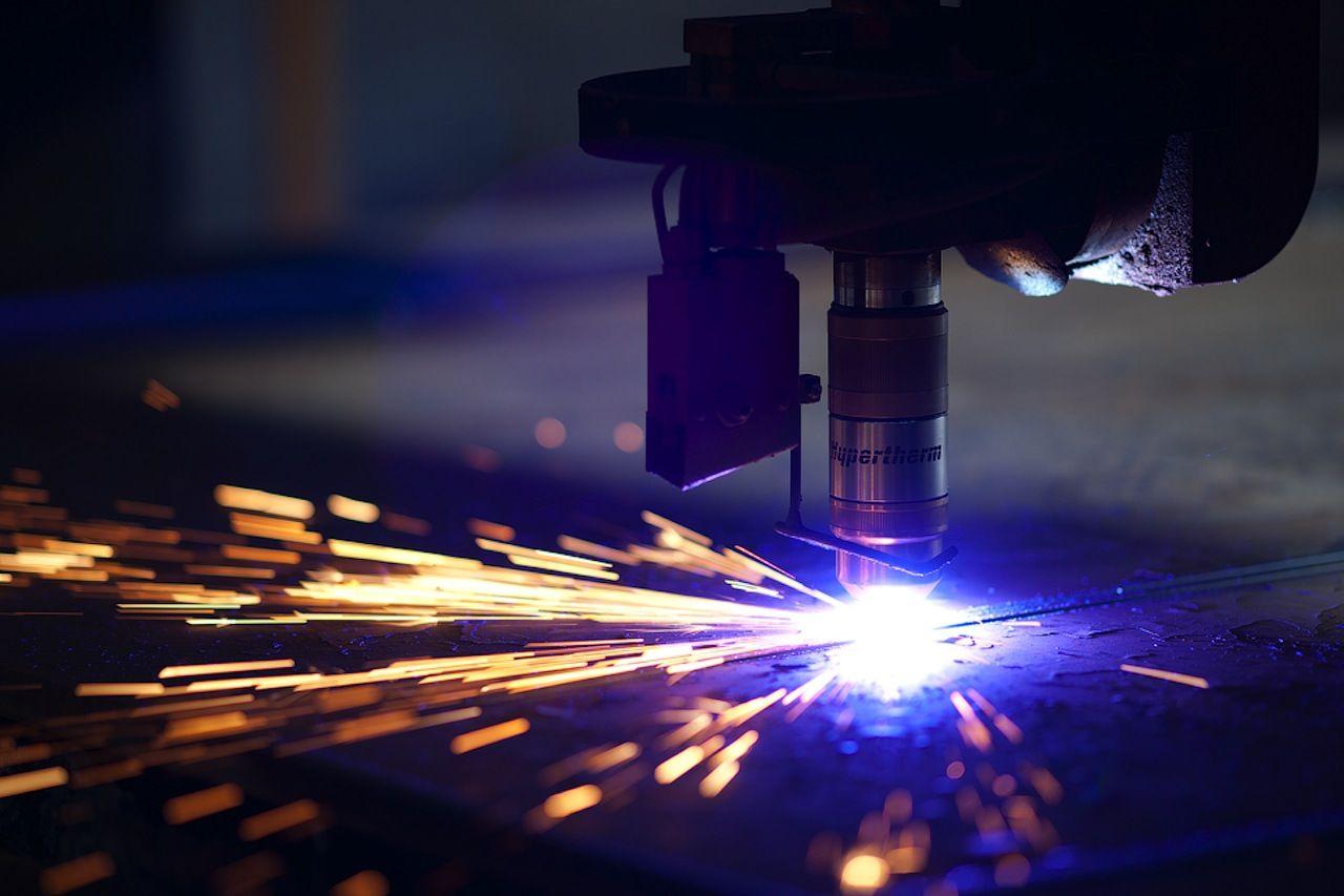 Лазерна або плазмова різка металу - порівняння